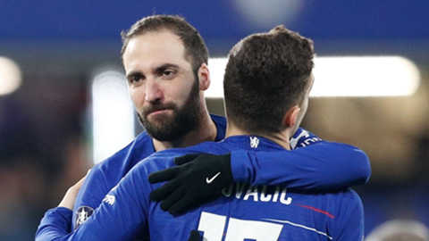 """Chelsea giữ lại Kovacic, trả Higuain về """"nơi sản xuất"""""""