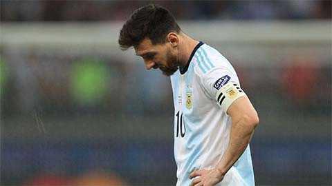 Messi tuyên bố tiếp tục gắn bó với Argentina thay vì đầu hàng