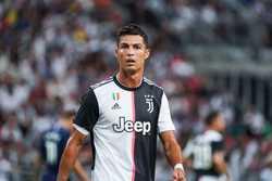 """""""Nạn nhân"""" tố C.Ronaldo hiếp dâm: """"Mọi chuyện vẫn chưa chấm dứt"""""""