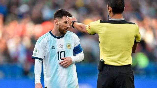 Messi vẫn quá vô duyên với màu áo Argentina