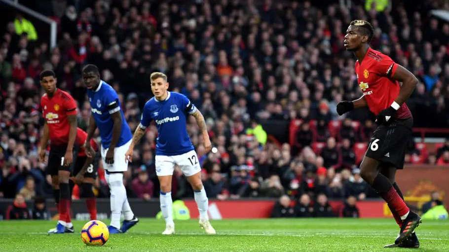 Pogba từng bị chỉ trích dữ dội sau khi mất 12 giây để đá 11m ở trận gặp Everton vào năm ngoái