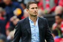 """HLV Lampard đã học được gì sau """"cú tát trời giáng"""" đến từ Man United?"""