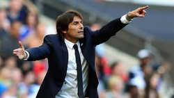 """CĐV Man United phát sốt vì Antonio Conte liên tiếp đón """"hàng thải"""" của M.U về Inter"""
