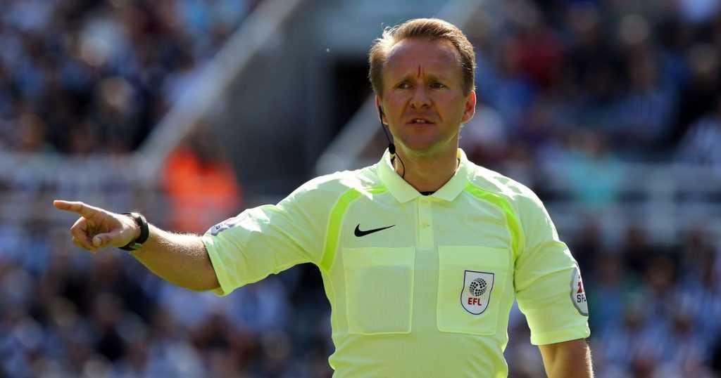 Premier League đã thay thế trọng tài bắt chính trận Chelsea vs Leicester vì bị... kẹt xe