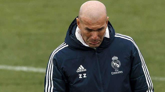 Dù đã mua sắm rất nhiều nhưng Zidane vẫn không hài lòng với Perez