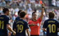 """La Liga """"gây bão"""" với luật phạt thẻ đỏ trực tiếp với pha phạm lỗi vào gót chân"""