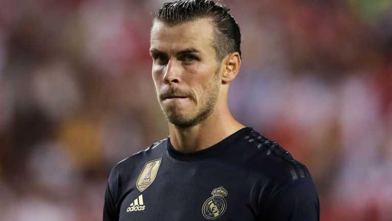 Gareth Bale thoải mái đi chơi golf trong ngày Real Madrid gục ngã trước Tottenham