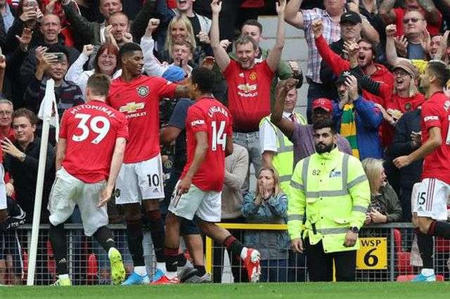 Man Utd đã vùi dập Chelsea trong trận đấu ở vòng 1