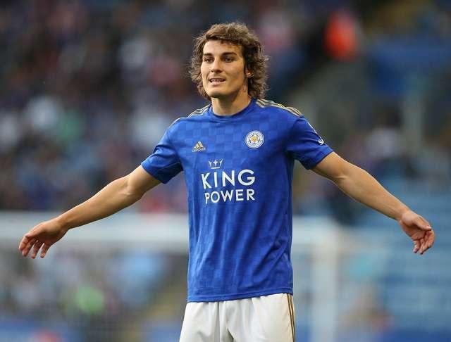 Caglar Soyencu là người thay thế Maguire ở Leicester