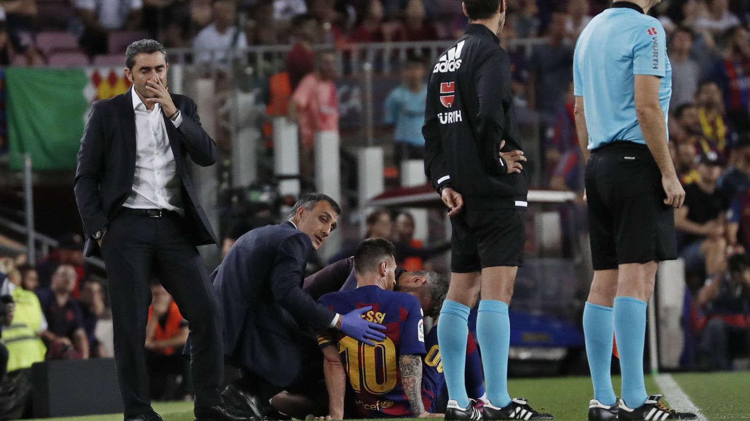 HLV Valverde lo lắng vì chấn thương của Messi