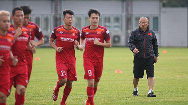 HLV Park Hang Seo chưa thua trận nào sau 4 lần đối đầu các ĐTQG Thái Lan