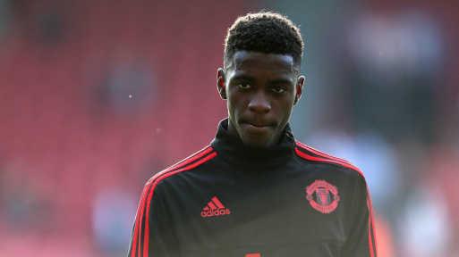 Đằng sau việc Solskjaer để Tuanzebe làm đội trưởng M.U thay vì Paul Pogba