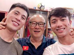 Phan Văn Đức và Đình Trọng được triệu tập lên tuyển Việt Nam dù đang trong giai đoạn chấn thương