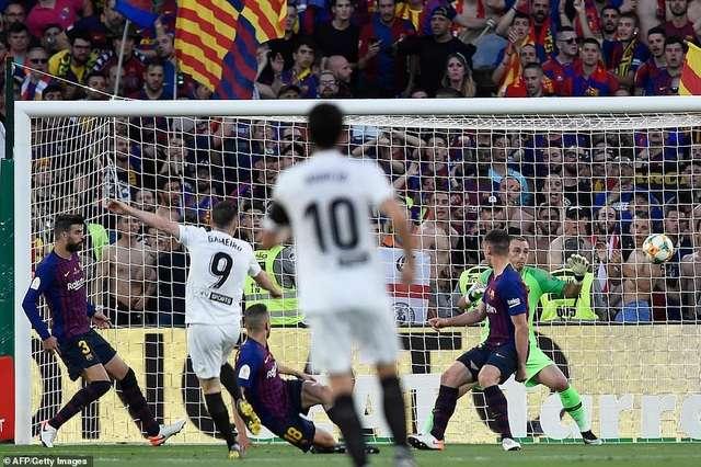 Valencia đã thắng Barcelona 2-1 để vô địch Cúp Nhà vua 2019