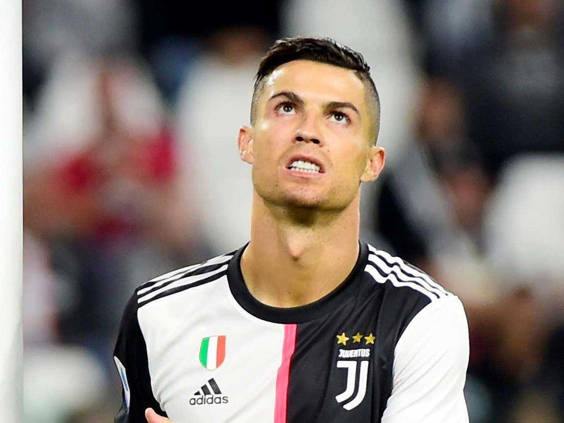 """Aaron Ramsey: """"Ronaldo chỉ là người đàn ông bình thường"""""""