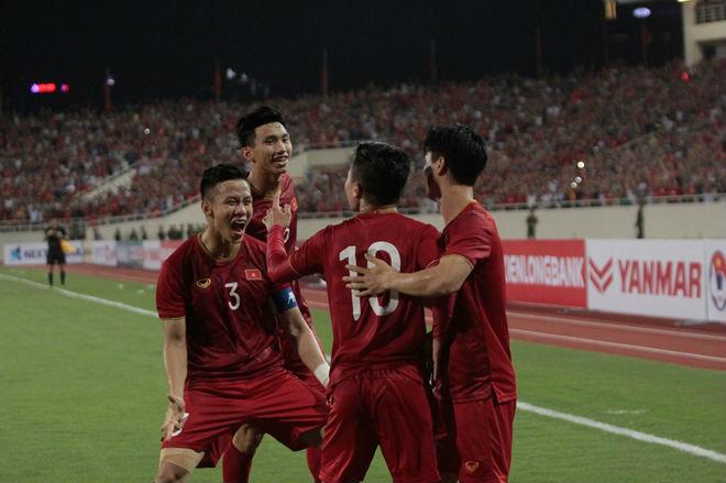 """Truyền thông Indonesia: """"Tuyển Việt Nam ở đẳng cấp khác so với chúng ta"""""""