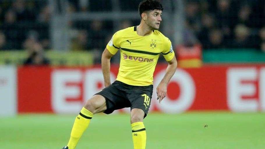 Mahmoud Dahoud không có đất dụng võ ở Dortmund