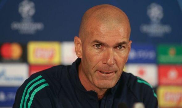 Zidane: Không nên từ bỏ những hào quang của quá khứ