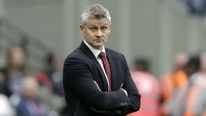 Ole Gunnar Solskjaer đối mặt nguy cơ bị sa thải nếu MU thua đậm Liverpool