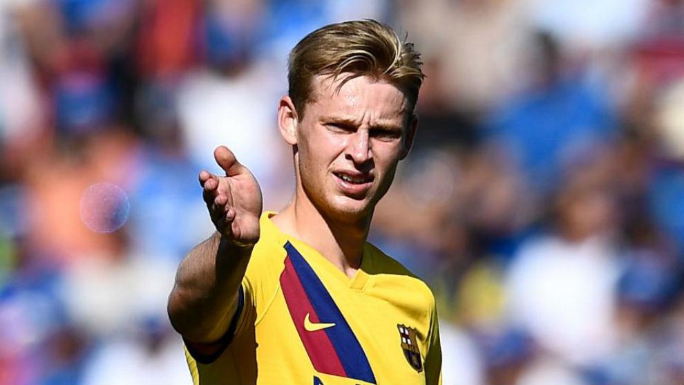 Frenkie de Jong đang trở thành người không thể thay thế của HLV Valverde