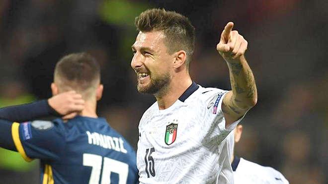 Acerbi vừa có bàn thắng đầu tiên cho Azzurri