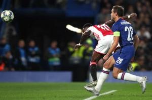 Chelsea 4-4 Ajax: Đây là thứ bóng đá của miền Tây hoang dã
