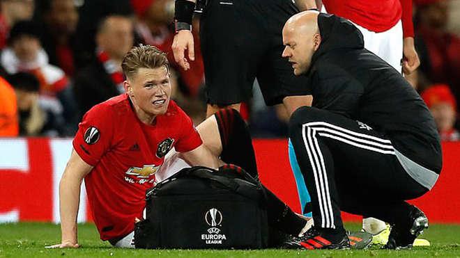 McTominay chấn thương ở hiệp 2 của trận đấu