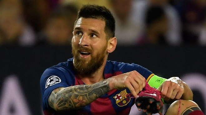 Barca phụ thuộc quá nhiều vào Messi