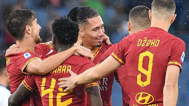 Smalling đang chơi cực hay trong màu áo Roma
