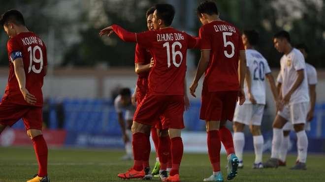 U22 Việt Nam thắng đậm U22 Lào nhưng thủng lưới do bóng chết