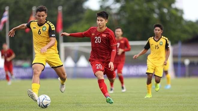Trọng Hùng (số 20) chơi khá hay trước U22 Brunei