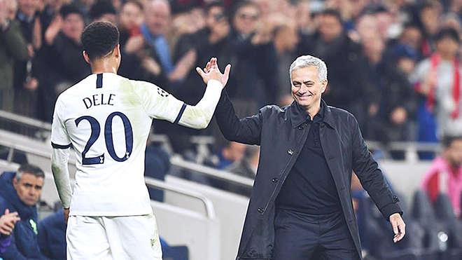 Mourinho đã thay đổi để trở thành một con người phù hợp với Tottenham lúc này, hay đấy chỉ là vẻ bề ngoài?