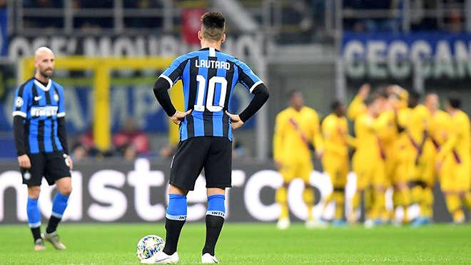 Năm thứ hai liên tiếp, Inter bị loại từ vòng bảng Champions League, dù đầu tư không ít