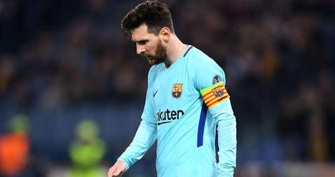 Hình ảnh thường thấy của Messi ở châu Âu vài năm qua