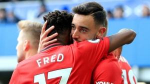 Bruno Fernandes, McTominay và Fred sẽ đóng vai trò chính trong cuộc đại tu hàng tiền vệ của M.U