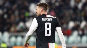Juventus sẽ dùng Ramsey để đổi lấy Pogba