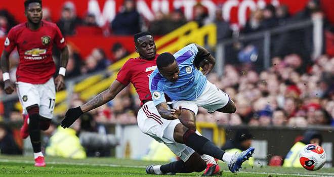 Wan Bissaka đã khiến Sterling bất lực