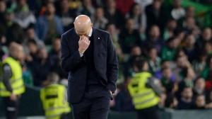 Chết vào phút cuối, virus gây đau đầu mới của Zidane